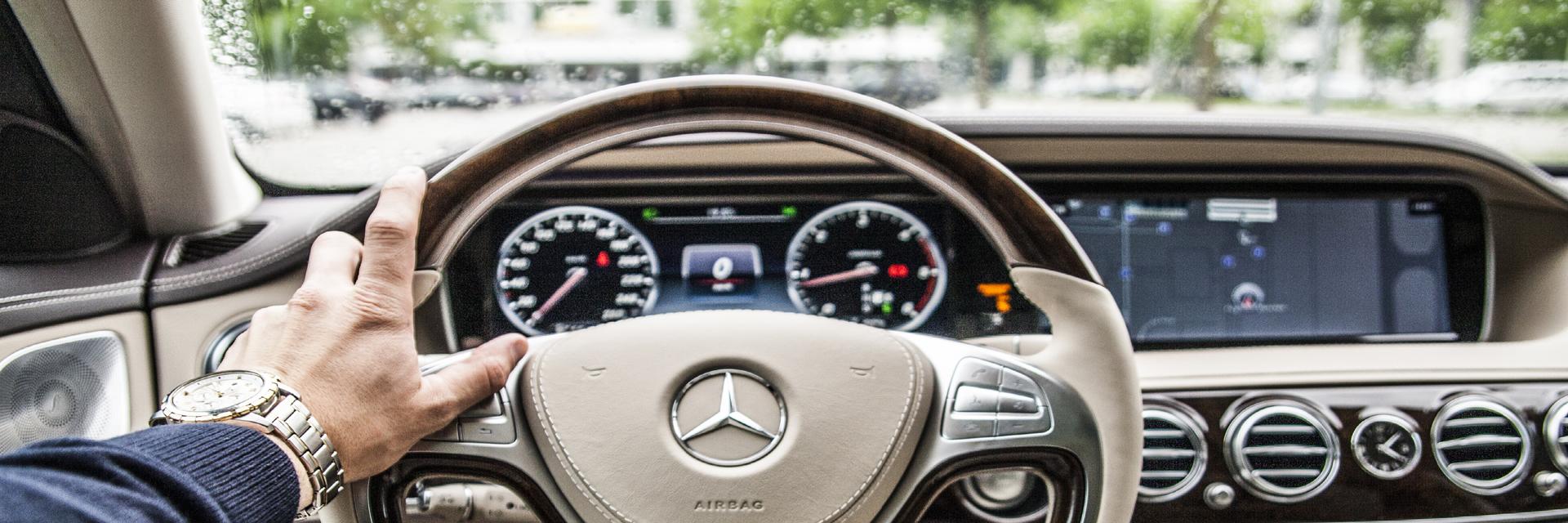 hand-car-wheel-automobile-interior-driving-718703-pxhere-com